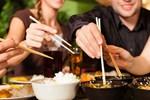 Thực hiện 4 thói quen nhỏ này khi ăn uống có thể giúp bạn phòng bệnh, ngừa ung thư rất tốt