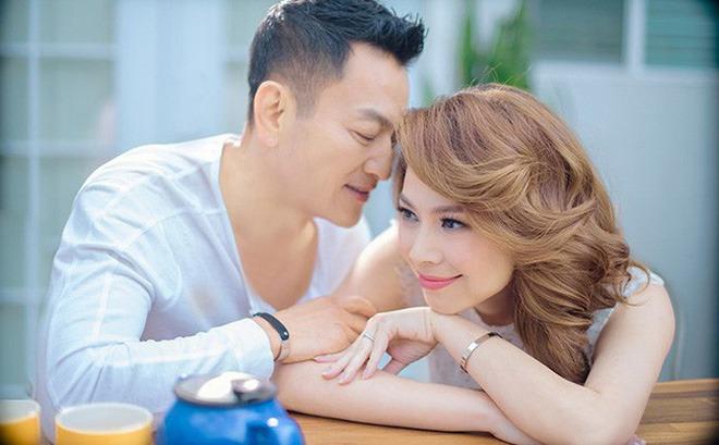 Đại gia 48 tuổi kết hôn với ca sĩ nổi tiếng, không quan tâm đến quá khứ scandal của vợ-2