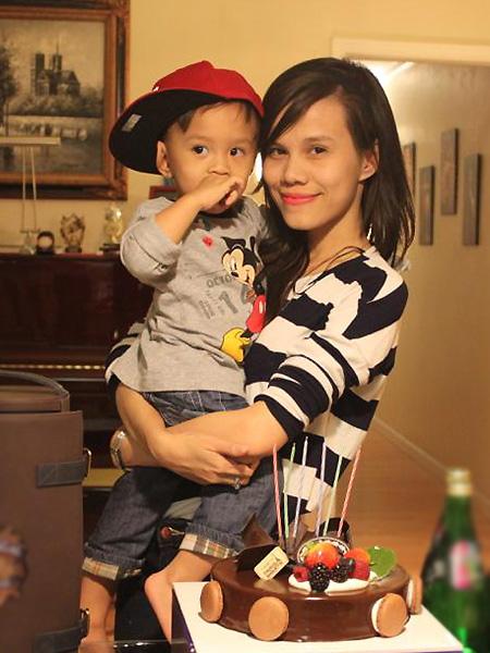 Từng là nữ chính trong ồn ào có con với Ngô Kiến Huy giờ đây Thụy Anh - em gái Thanh Thảo đã lấy chồng, xinh đẹp hơn sau 2 lần sinh nở-2