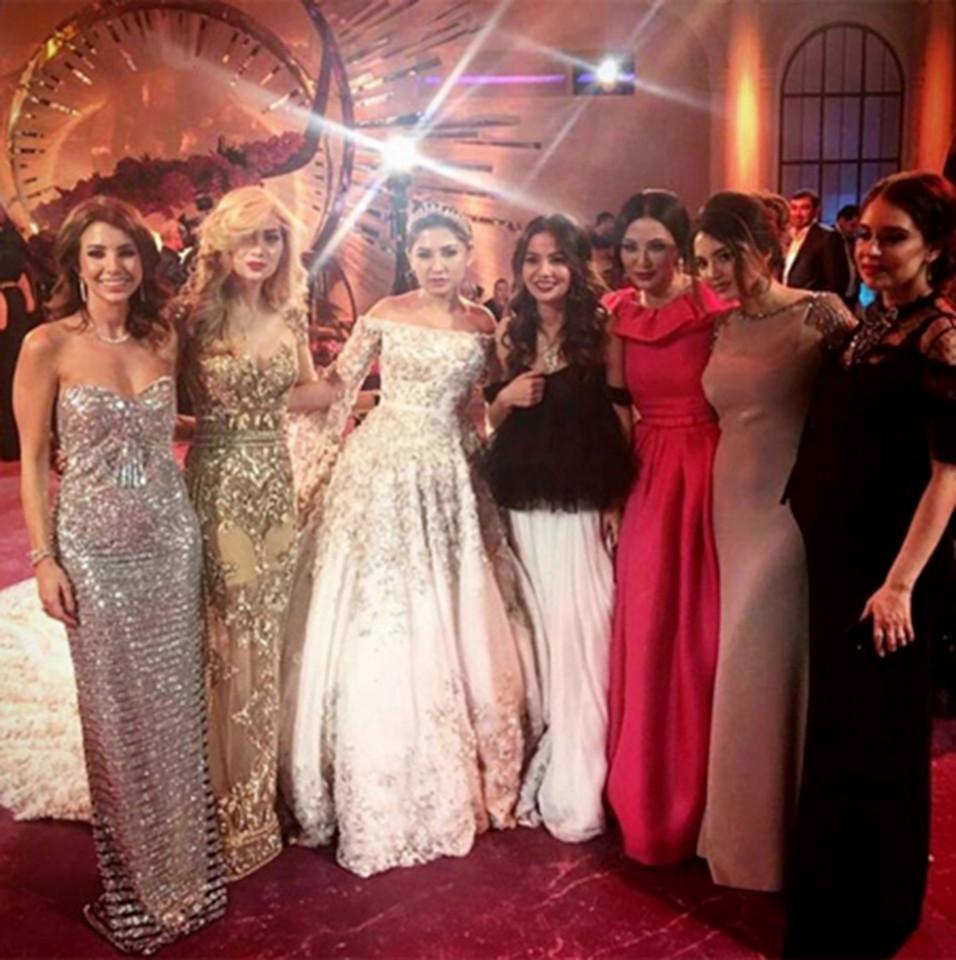 4 năm sau đám cưới xa hoa với chiếc váy 14 tỷ đồng, bánh cưới cao hơn 3m, cuộc sống của tiểu thư giàu có bậc nhất nước Nga ra sao?-6