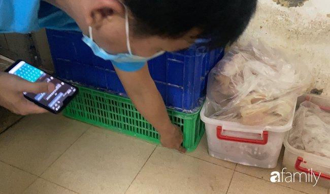 Vụ lò bánh mì ở Sài Gòn bị tố dùng thịt bẩn làm nhân, khu chế biến có giòi ngoe nguẩy: Chủ lò cũng không biết bé na ở đâu ra-10