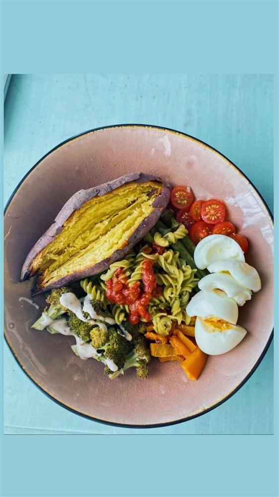Nghiện salad, cắt bỏ thịt: cách giảm cân an toàn để Châu Bùi xuống liền 3kg chỉ sau 9 ngày-14
