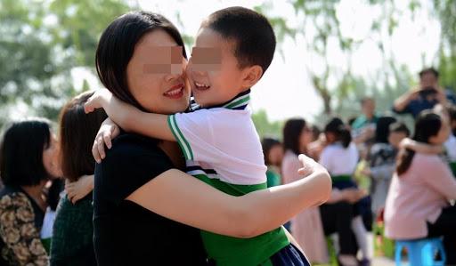 Mẹ hay ăn diện và mẹ mặc xuề xòa có ảnh hưởng thế nào đến con cái của họ? Giáo viên nói thật-3