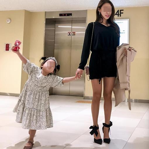 Mẹ hay ăn diện và mẹ mặc xuề xòa có ảnh hưởng thế nào đến con cái của họ? Giáo viên nói thật-5