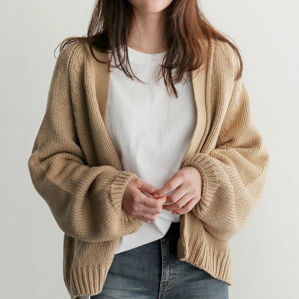 Chỉ là 2 dáng áo len cơ bản nhưng lại có sức mạnh cải thiện style ghê gớm, có đủ thì bạn khỏi lo mỗi sáng mặc gì-12