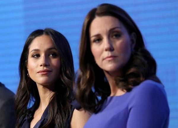 Công nương Kate bị nghi mang bầu lần 4 vì một chi tiết trong bức ảnh mới, được khuyên nên cùng Meghan giảng hòa-2