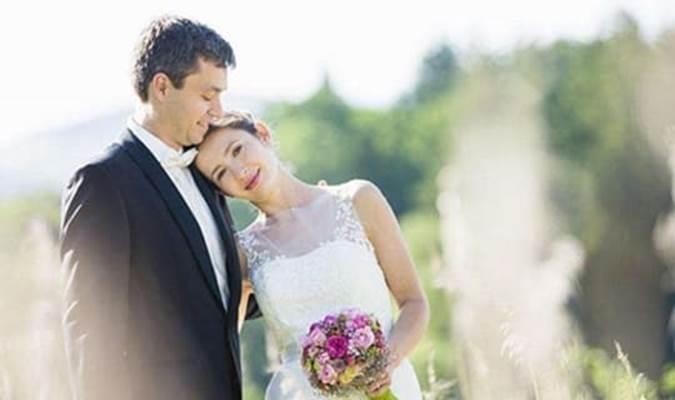 Nhìn thấy con dâu phơi quần áo giữa đêm, mẹ chồng thuyết phục con trai ly hôn ngay lập tức-2
