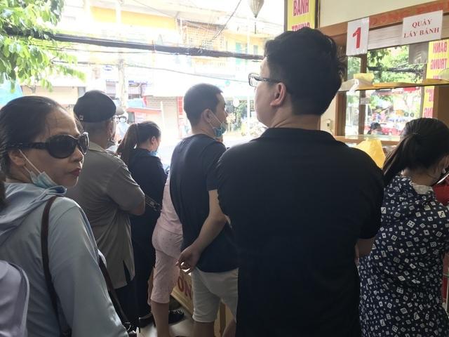 Dân Thủ đô dậy từ 5 giờ sáng, bắt tàu hỏa đi Hải Phòng mua bánh trung thu-2