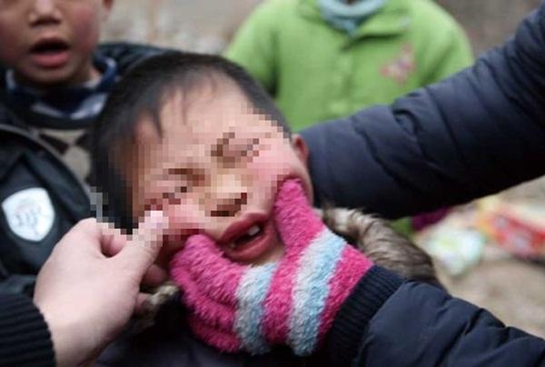 Ngành chăn dắt trẻ ăn xin ở Châu Á: Kẻ máu lạnh tạo ra những đứa bé khuyết tật và biến chúng thành cỗ máy kiếm tiền vô đạo đức-4