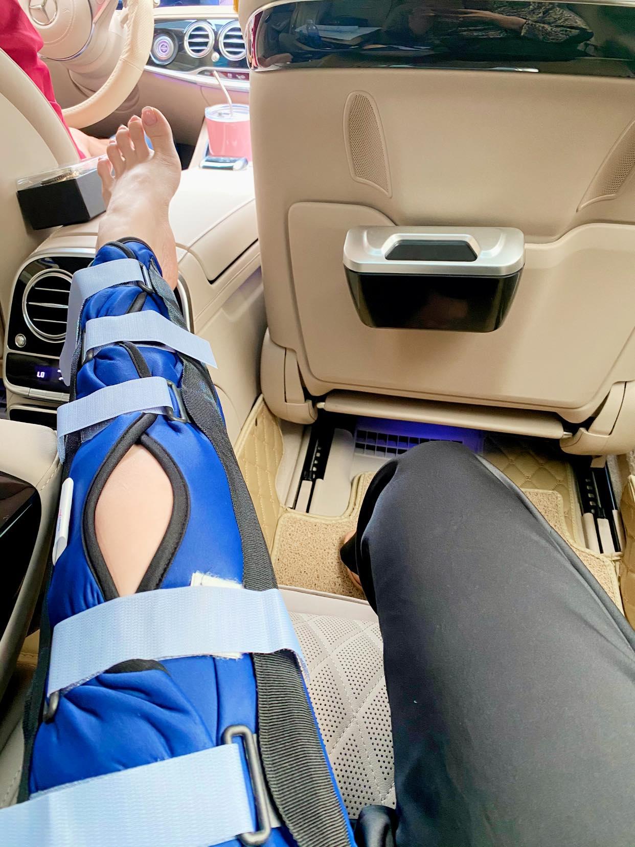 Nhật Kim Anh bất ngờ bị ngã rách dây chằng ở chân, phải ngừng công việc trong vòng 2 tuần-3