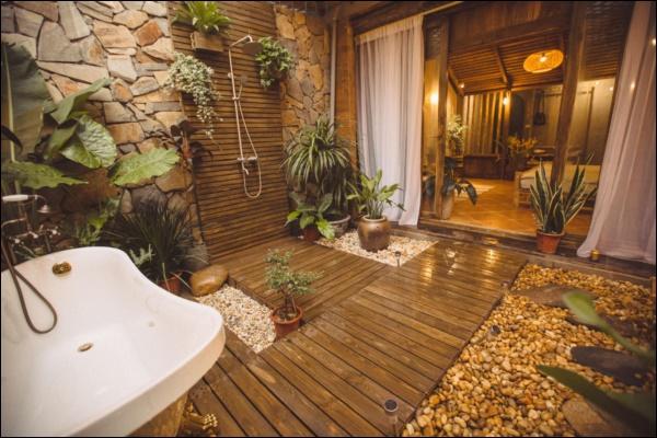 Cô gái tự tay thiết kế phòng tắm độc đáo nhất Vịnh Bắc Bộ, nhìn qua cứ ngỡ resort nơi nào!-6