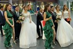 Không chỉ Nữ thần Kim Ưng, nhiều sao Việt cũng bị lộ dáng béo tròn bụng mỡ vì thiết kế váy đuôi cá-9