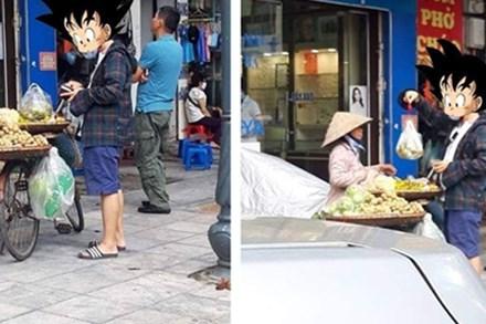 Hội chị em ngỡ ngàng với hình ảnh người đàn ông xách theo chiếc cân đi chợ, mặc cả chán chê mới chịu mua hoa quả mang về