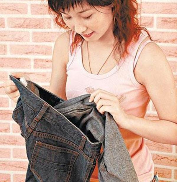 Những cách tẩy vết bẩn trên quần bò sạch như mới mà không bị phai màu-6