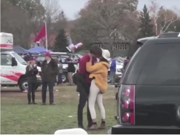 Profile khủng của bạn trai ái nữ nhà Obama: Điển trai, con nhà tài phiệt và thành tích xuất sắc không hề kém cạnh bạn gái-2