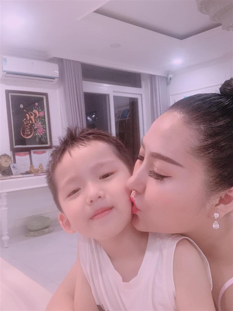 Chồng cũ lấy vợ mới, Phi Thanh Vân định đi kiện, U40 một mình nuôi con thành giỏi nhất trường-4