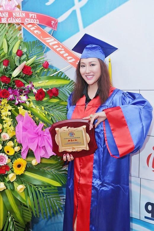 Chồng cũ lấy vợ mới, Phi Thanh Vân định đi kiện, U40 một mình nuôi con thành giỏi nhất trường-5