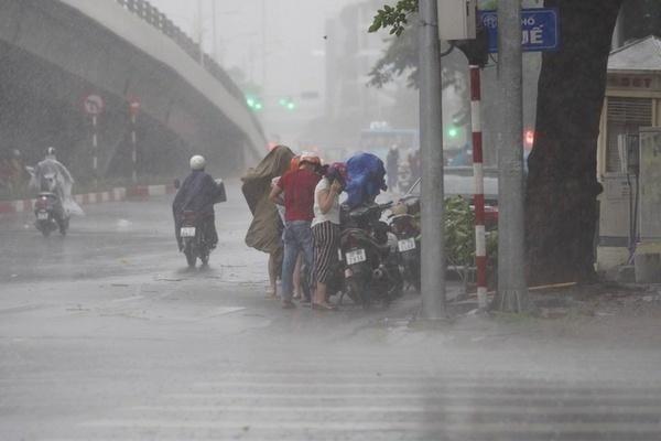 Dự báo thời tiết 1/10, Hà Nội có lúc trở mưa giông-1