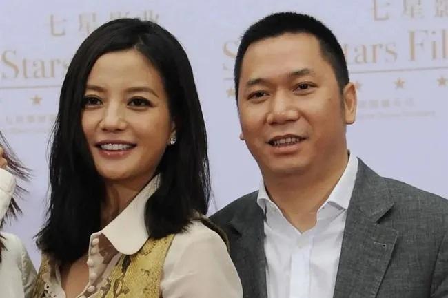 """Hôn nhân giữa Triệu Vy và chồng đã kết thúc bằng một bản thỏa thuận ngầm"""", chính Huỳnh Hữu Long là người tiết lộ chuyện vợ sống chung với trai trẻ?-4"""
