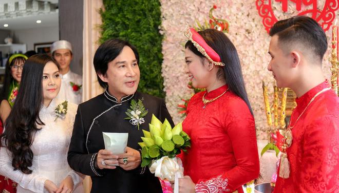 Vợ 3 Kim Tử Long: Là mẹ kế, tôi phải tự biết giới hạn mình ở một mức độ nào đó-2