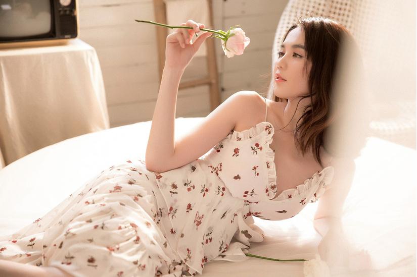 Rũ bỏ phong cách phong cách sexy, Ngọc Trinh hóa nàng thơ ngọt ngào-6
