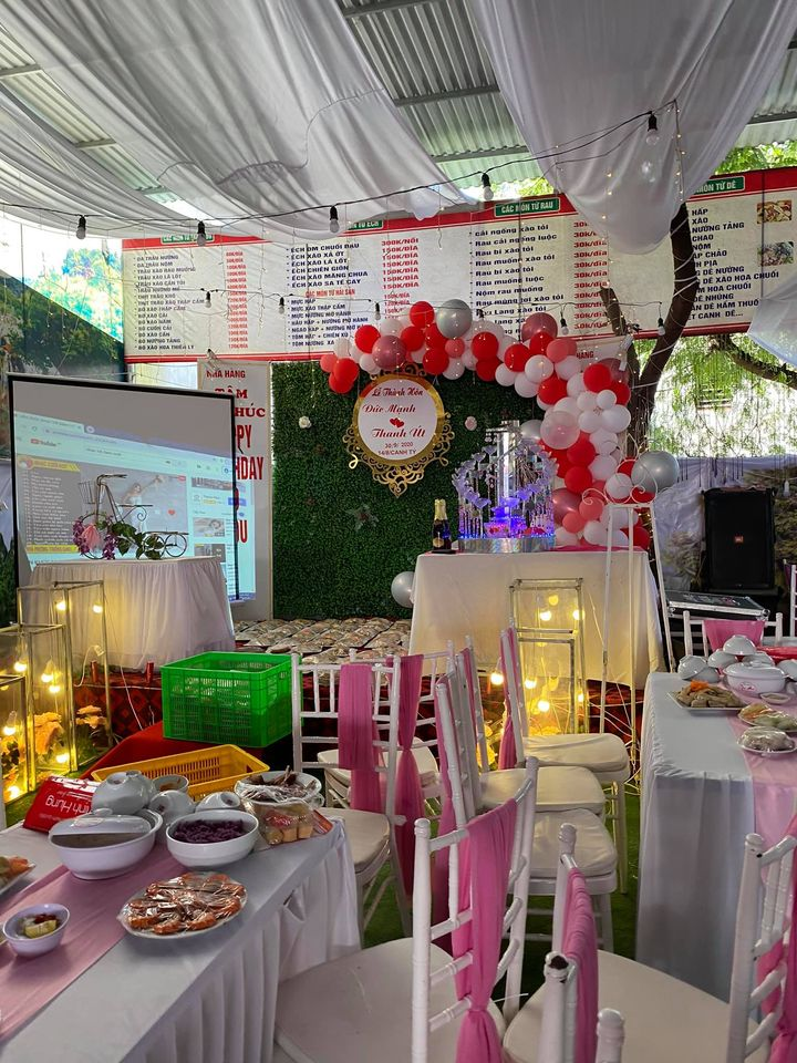 Diễn biến mới vụ bùng 150 mâm cỗ cưới: Nhà hàng ở Điện Biên chính thức lên tiếng về tin nhắn họ đổi sang ăn chiều-2
