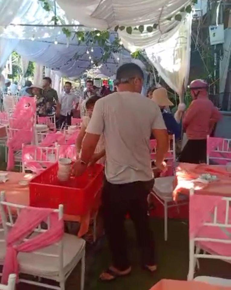 Diễn biến mới vụ bùng 150 mâm cỗ cưới: Nhà hàng ở Điện Biên chính thức lên tiếng về tin nhắn họ đổi sang ăn chiều-3