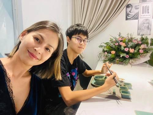 Vợ cũ Huy Khánh: Con chị tiền học 1 tỷ/năm, nuôi ăn mỗi bữa tôm hùm, cá hồi, bò Wagyu-2