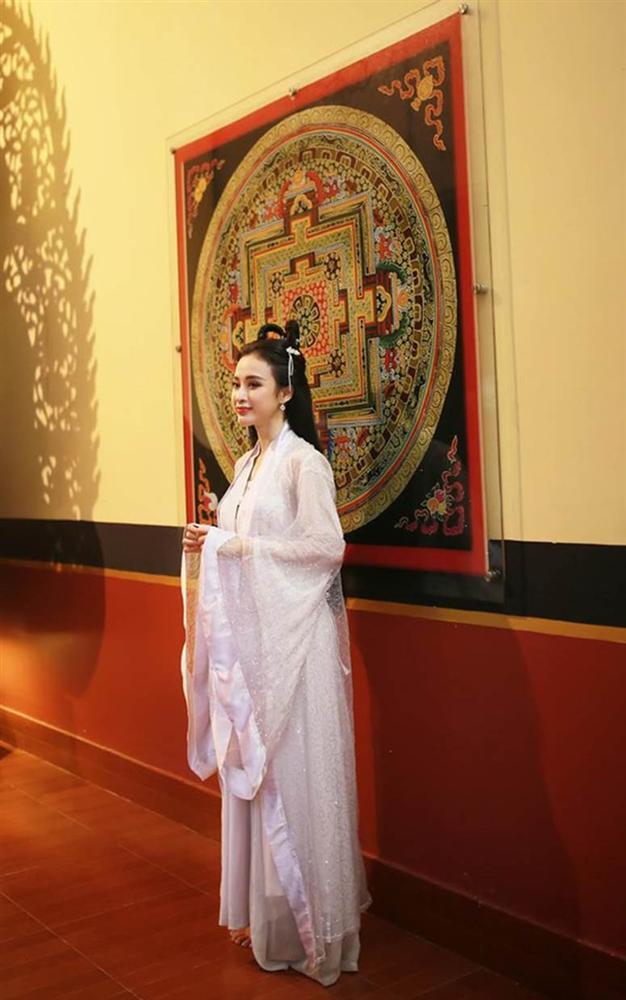 Hiền Hồ vào vai chị Hằng: Đánh phấn vừa dày vừa trắng bệch, nhìn qua cũng thấy hết hồn-9