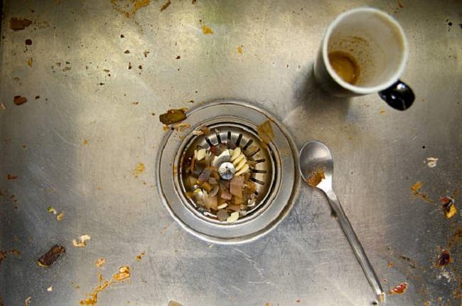 Muốn bồn rửa bát trong bếp không bị tắc thì đừng đổ 5 thứ này vào bên trong, nếu không sẽ rất khó xử lý-5