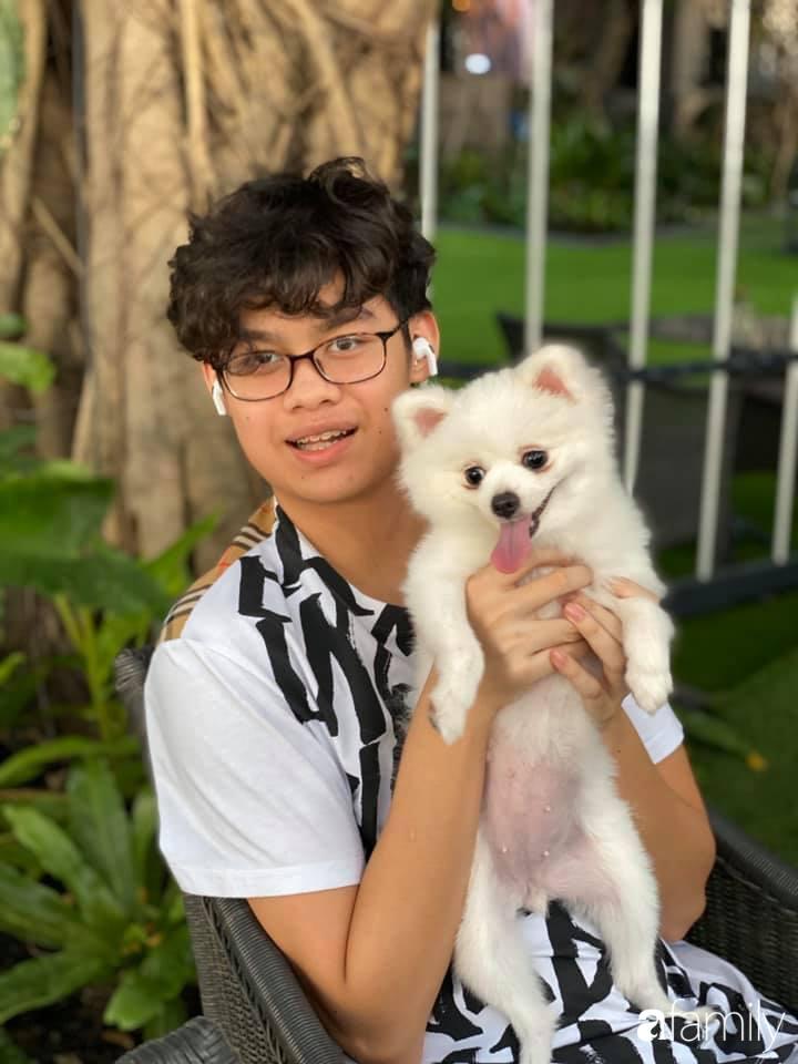 Con trai diễn viên Hiền Mai: Hồi nhỏ ốm nhom vì suy dinh dưỡng, mẹ cho ăn cơm vàng giờ 16 tuổi cao 1m80-6