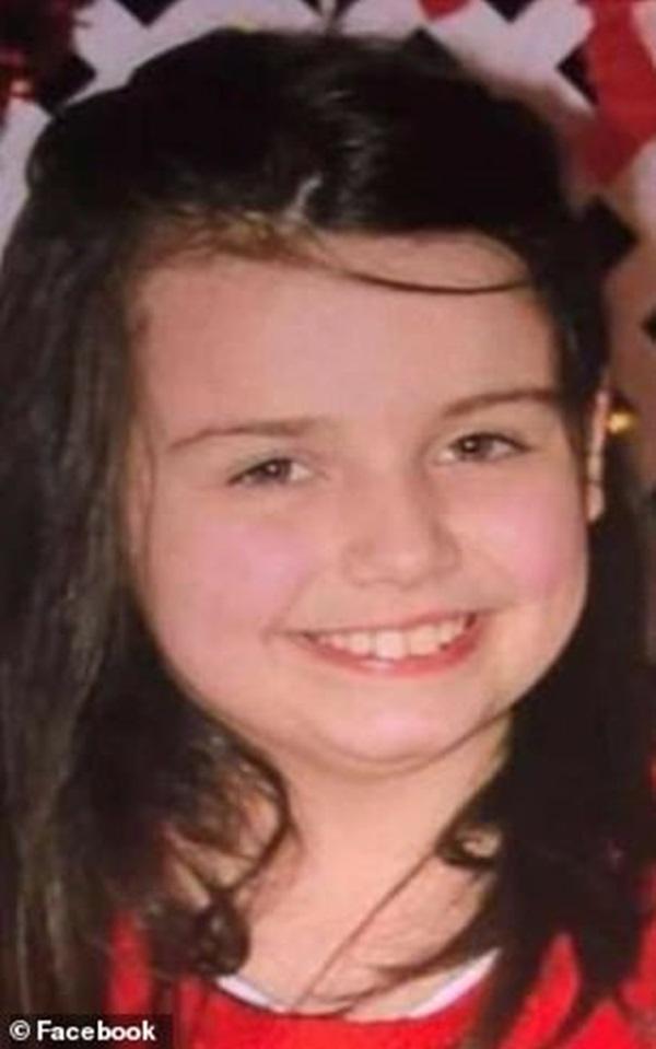 Bé gái 12 tuổi đột ngột qua đời vì bị chấy cắn, cảnh sát bắt giữ bố mẹ đẻ và phát hiện việc làm động trời của họ 3 năm qua-1
