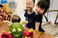 Mẹ trẻ trổ tài trang trí mâm cỗ Trung thu hình thú nhưng con nào cũng như 'đột biến gen', phản ứng của bọn trẻ trông mới tội