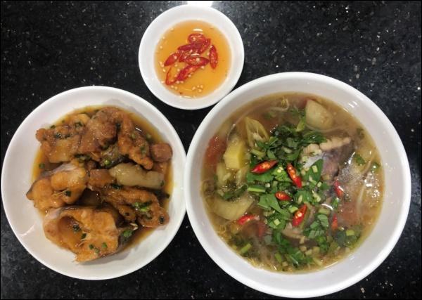 Lâm Vỹ Dạ đúng chuẩn gái gốc Huế đảm đang, nấu bánh canh ghẹhấp dẫn khiến Hari Won phải thốt lên Sao giỏi vậy!-6