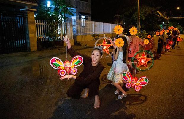 Khánh Vân bị chỉ trích giả tạo khi đi làm từ thiện cho các bé bị xâm hại tình dục, Miss Universe Vietnam chính thức lên tiếng-1