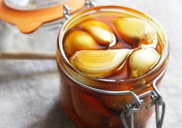 Tỏi ngâm mật ong: Món đồ uống được coi là thần dược cho sức khỏe và thời điểm uống tốt nhất để phòng trị bệnh hiệu quả nhất-1