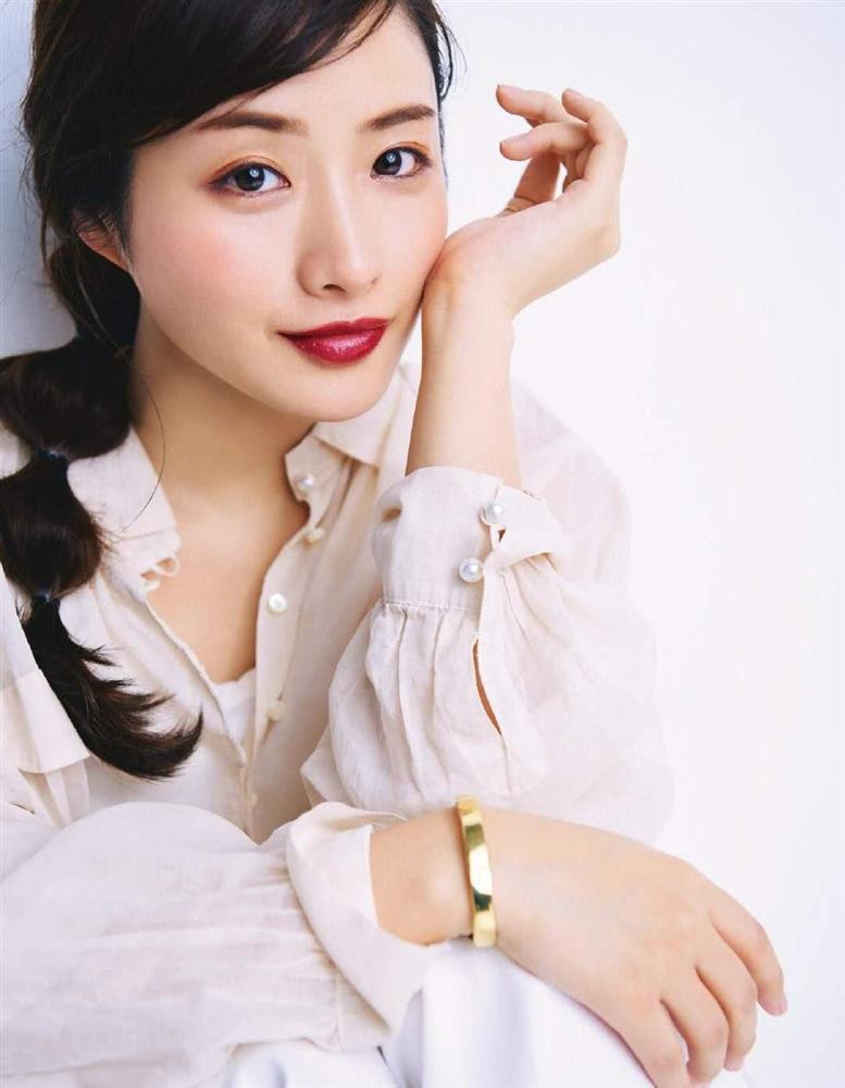 Nàng Kim Tae Hee nước Nhật: Mỹ nhân 33 tuổi trẻ như gái 18 với bí quyết dưỡng nhan chỉ nhờ loại thần dược có sẵn tại căn bếp mỗi nhà-2