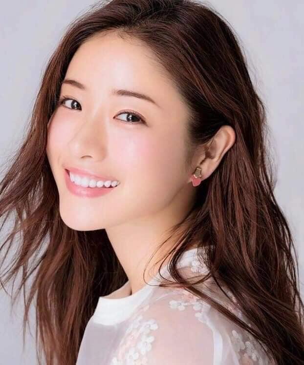 Nàng Kim Tae Hee nước Nhật: Mỹ nhân 33 tuổi trẻ như gái 18 với bí quyết dưỡng nhan chỉ nhờ loại thần dược có sẵn tại căn bếp mỗi nhà-6