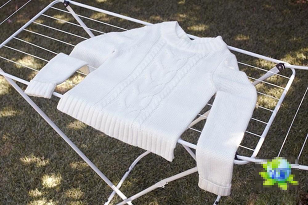 Bí quyết để áo len luôn bền đẹp, giữ dáng cho bạn mùa đông điệu đà và ấm áp mà không lo bai xù hay biến dạng-4