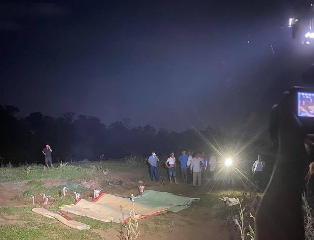 Danh tính 5 nạn nhân tử vong trong vụ ô tô 7 chỗ rơi xuống sông sau va chạm xe máy trong đêm-1