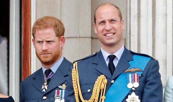 Hoàng gia Anh vừa có động thái dứt khoát loại Harry ra khỏi nội bộ gia tộc, anh trai William cũng được gọi tên trong quyết định mới-3