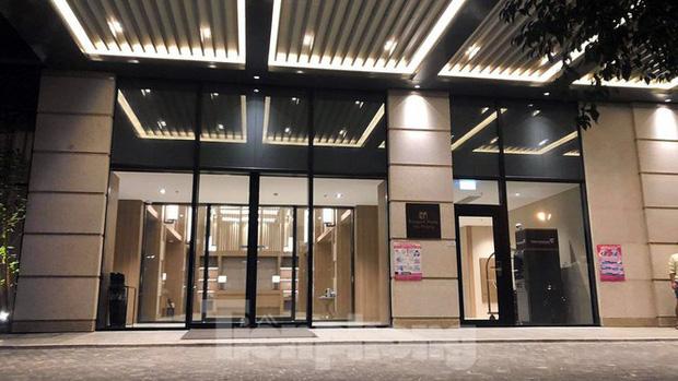 Phong tỏa một tầng khách sạn 5 sao ở Hải Phòng vì ca nghi nhiễm COVID-19-2