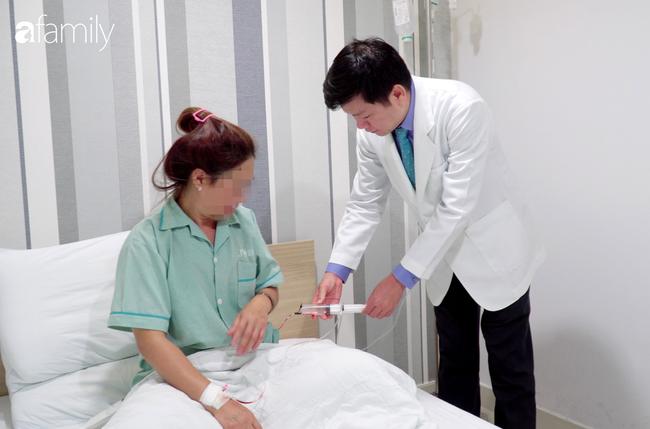 TP.HCM: Đi nâng ngực tại thẩm mỹ viện trôi nổi, người phụ nữ bị vỡ túi ngực nặng nề-3
