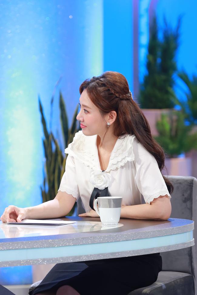 Hari Won gây choáng khi xác nhận Trấn Thành ở nhà giống như làm vợ-4