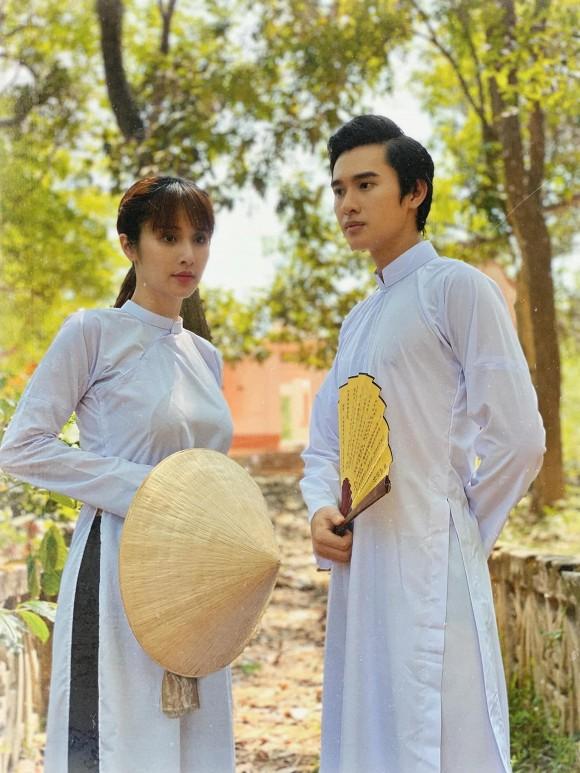 Chồng kém 9 tuổi của diễn viên Thảo Trang: Dung mạo rực rỡ, thân hình sáu múi cuồn cuộn-15