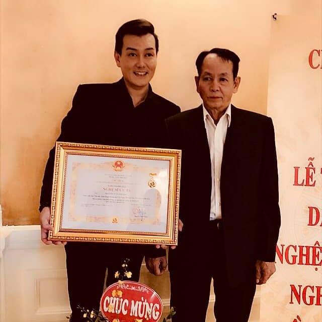Cha ca sĩ Tuấn Phương: 'Tôi đau đớn nhìn con trai ra đi'-1