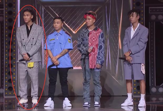 Điểm trùng hợp giật mình tại Rap Việt: cứ đứng rìa trái là mặc định thắng trận giải cứu?-4