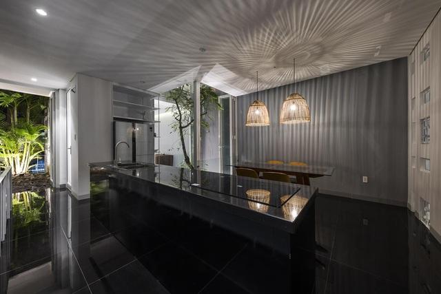 Ngôi nhà có 300 cửa sổ, gia chủ mỗi tháng chỉ tốn 200.000 đồng tiền điện-6