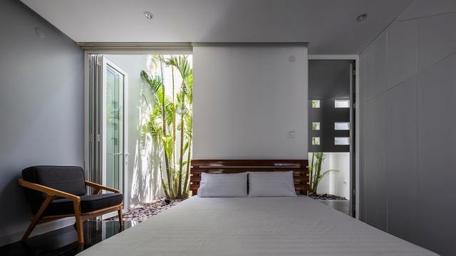 Ngôi nhà có 300 cửa sổ, gia chủ mỗi tháng chỉ tốn 200.000 đồng tiền điện-11