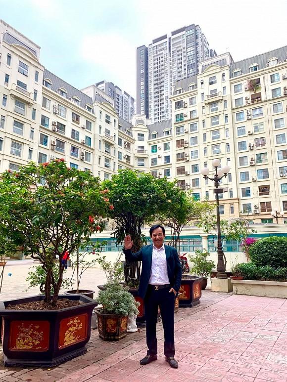 Nghệ sĩ Quang Tèo khoe khu vườn nhỏ muôn hoa đua sắc trước căn chung cư 7 tỷ đồng-6